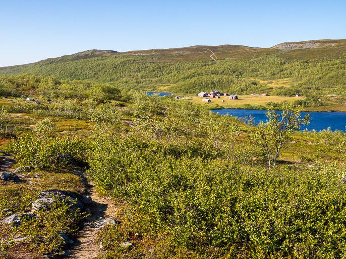 Kuljin norjalaisen tunturiaseman läpi, jonne oli majoittunut suomalaisia biologian opiskelijoita. Joatkajavri, Norja
