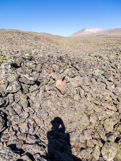Aah, siitä vaan kilometrejä kivillä. Cohkarassa, Norja