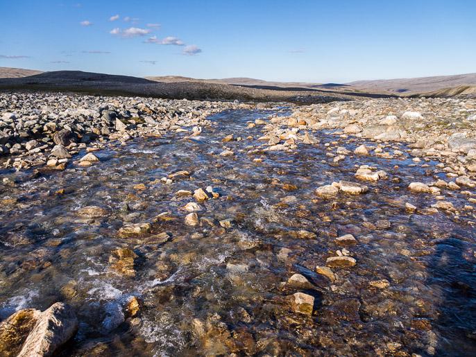 Lienee puhdasta vettä. Vuoivvasjohka, Norja
