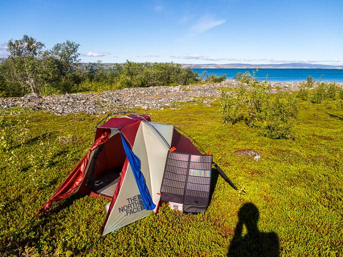 Aurinkoinen aamu eli akkujen latausta. Caskilbekk, Norja