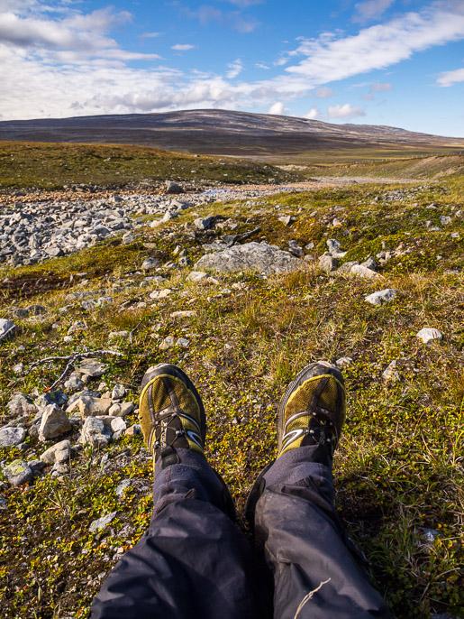 Jalkojen lepuutusta. Stalojohka, Norja